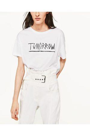 Kvinder Kortærmede - Zara T-SHIRT MED TEKST - Fås i flere farver