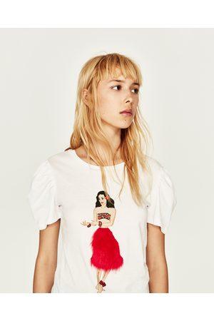 Zara T-SHIRT MED APPLIKATION FORAN - Fås i flere farver
