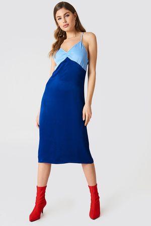 NA-KD Block Colored Slip Dress