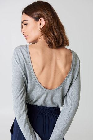 NA-KD Deep Back Long Sleeve Top