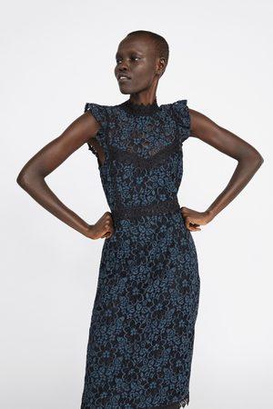 Zara Stram kjole med kontrasterende kniplingestof