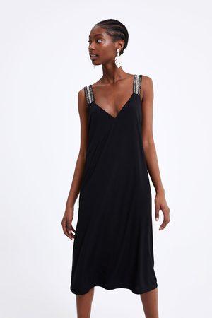 Zara Kjole med kontrasterende stropper