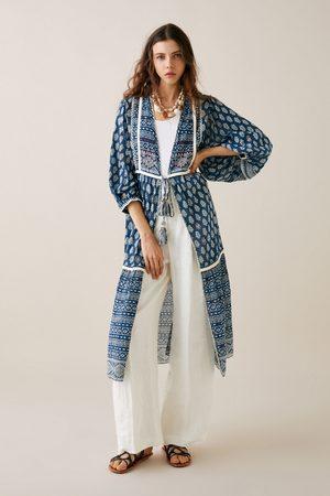 Zara Mønstret kimono med broderi