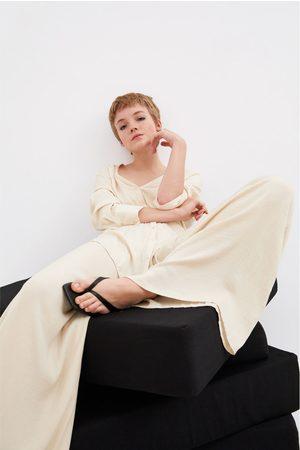 Zara Bukser med brede ben og blødt fald