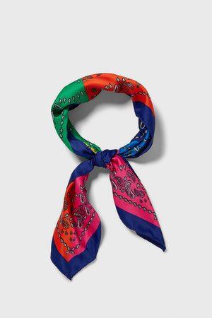 Zara Bandana med paisley og farveblokke