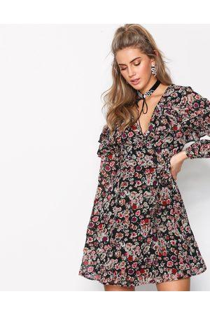 New Look Kvinder Casual kjoler - Floral Tiered Frill Wrap Front Dress Langærmede kjoler