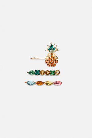 Zara Pack of pineapple rhinestone hair clips