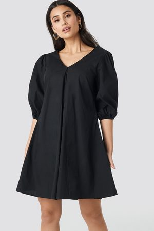 NA-KD Kvinder Casual kjoler - V-back and Front Short Sleeve Dress