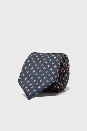 Zara Bredt, jacquardvævet slips med geometrisk mønster