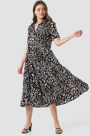 NA-KD Boho Kvinder Mønstrede kjoler - Collar Printed Midi Dress