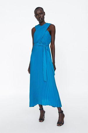 Zara Plisseret kjole med krydset halterneck
