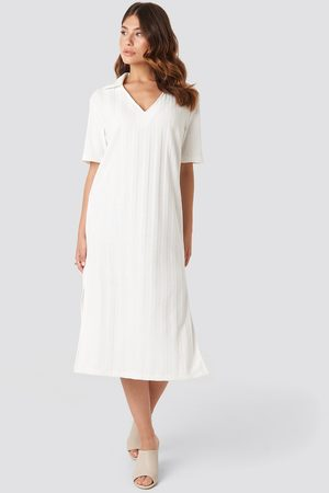 NA-KD Kvinder Casual kjoler - Collar V Front Knitted Dress