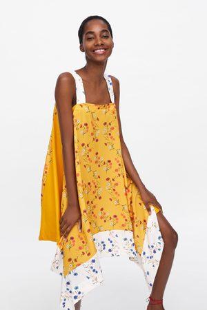 Zara Asymmetrisk kjole med blomstermønster