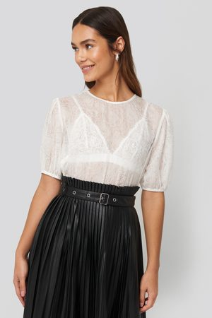 NA-KD Structured Rose Puff Blouse