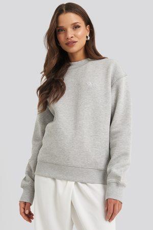 Calvin Klein Kvinder Sweatshirts - Embroidery Regular Crew Neck Sweater