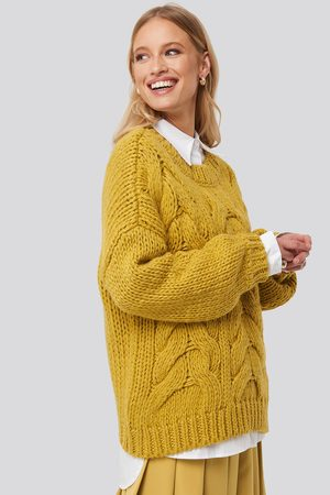 NA-KD Trend Wool Blend Round Neck Heavy Knitted Cable Sweater