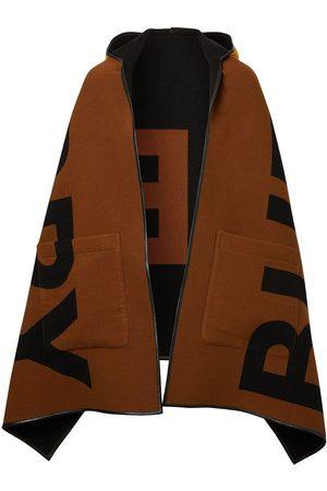Burberry Vendbar kappe med hætte og logo