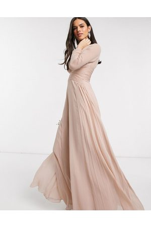 ASOS Kvinder Maxikjoler - Bridesmaid - langærmet maxikjole med rynket talje og plisseret skørt-Multifarvet