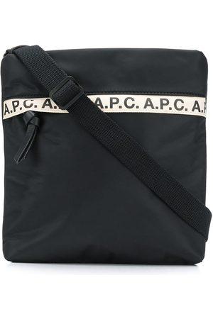 A.P.C Messenger-taske med logostribe