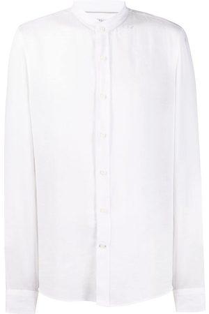 Brunello Cucinelli Tætsiddende skjorte med en kinakrave