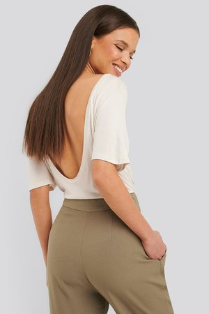 NA-KD Viscose Deep Back Tee