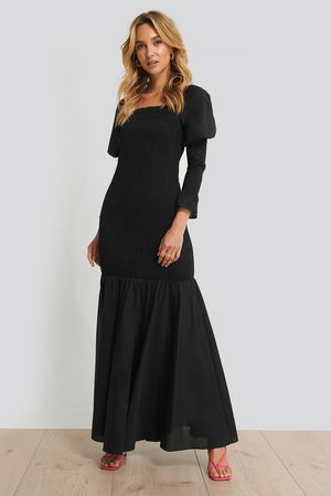 NA-KD Long Sleeve Gathered Maxi Dress