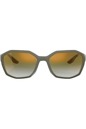Prada Solbriller med mat effekt og firkantet stel
