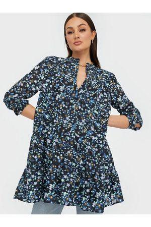Envii Enmagic Ls Sh Dress Aop 6716 Loose fit dresses