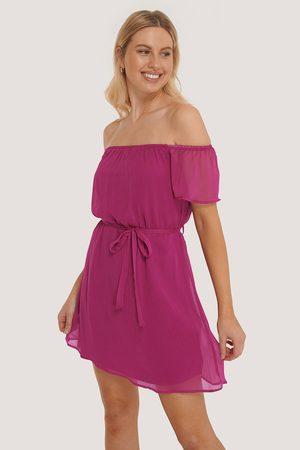 Trendyol Kvinder Festkjoler - Off Shoulder Belted Mini Dress