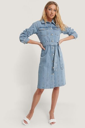 Annais x NA-KD Belted Denim Dress