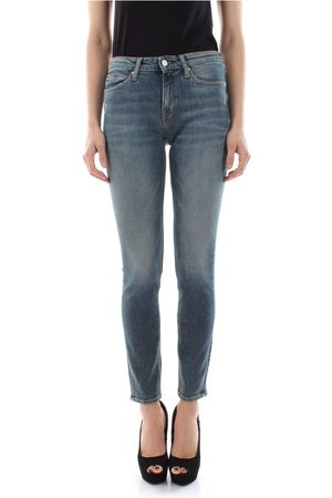 Calvin Klein J20J208030 - 011 MID RISE JEANS Women DENIM MEDIUM BLUE