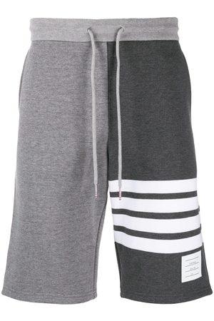 Thom Browne Klassiske shorts med 4-bar