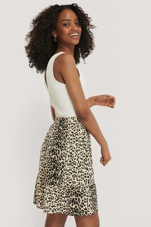 NA-KD Kvinder Mininederdele - Elastic Waist Flowy Mini Skirt