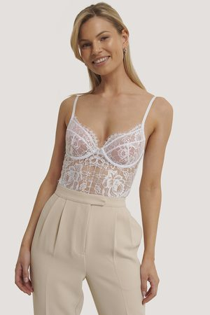 NA-KD Raw Edge Lace Cup V-String Bodysuit