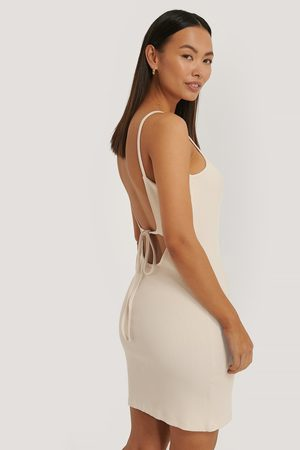 Sara Sieppi x NA-KD Ribbed Open Back Jersey Dress
