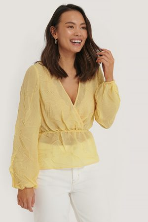 NA-KD Structure Shirred Blouse