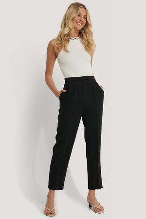 NA-KD Kvinder Trekvartbukser - Cropped Darted Suit Pants