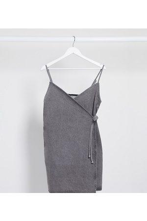 ASOS ASOS DESIGN Tall - Slå-om cami-kjole i vasket denim