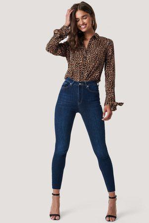 NA-KD Skinny High Waist Raw Hem Jeans