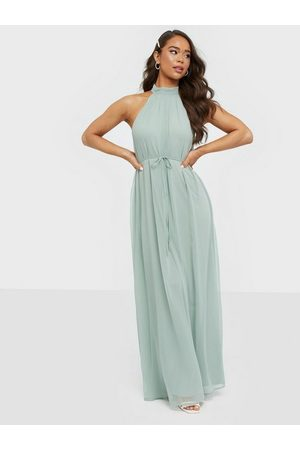 NLY Eve Flowy High Neck Gown Maxikjoler