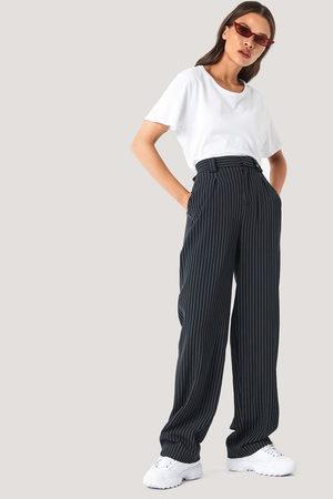 NA-KD Kvinder Habitbukser - Flared Striped Pants