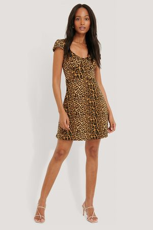 NA-KD Short Sleeve Printed Mini Dress