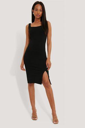 NA-KD Kvinder Casual kjoler - Square Neckline Slit Dress
