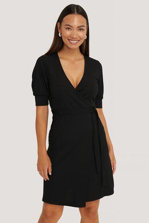 NA-KD Kvinder Casual kjoler - Wrap Puff Sleeve Dress