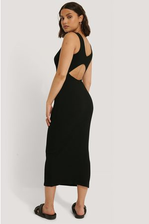 NA-KD Open Back Sleeveless Dress