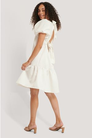NA-KD Tie Back Structured Dress