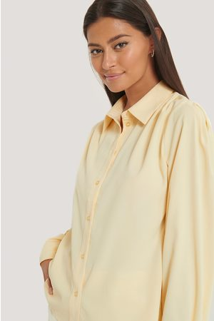 NA-KD Kvinder Bluser - Gathered Shoulder Blouse