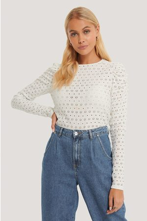 NA-KD Kvinder Toppe - Broderie Anglaise Puff Sleeve Top