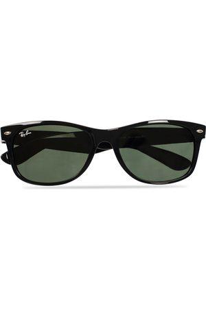 Ray-Ban New Wayfarer Sunglasses Black/Crystal Green