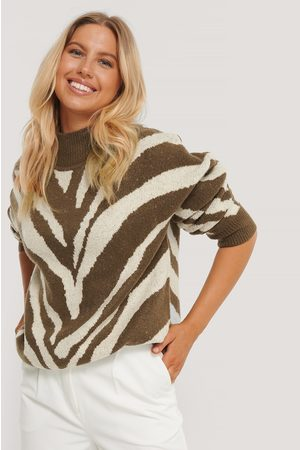 NA-KD Kvinder Strik - High Neck Zebra Knitted Sweater